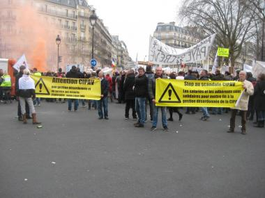 G manif paris banderoles jp